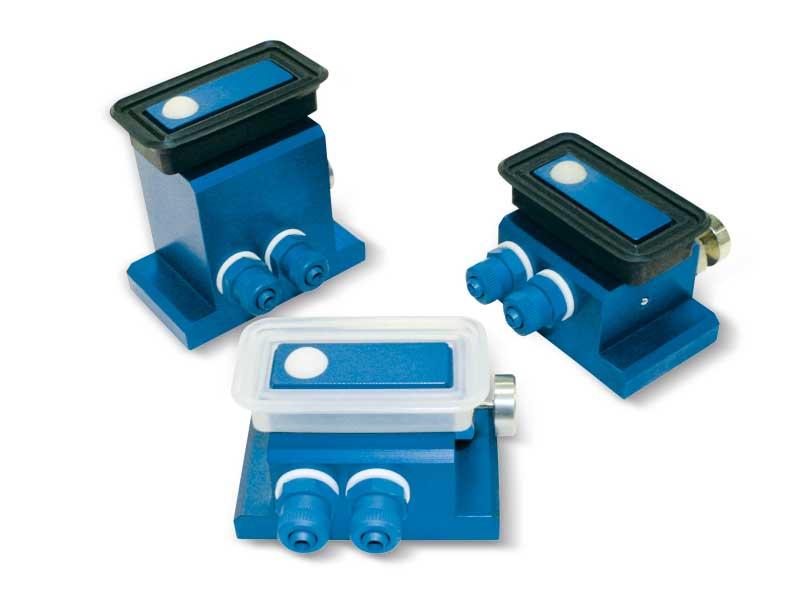 Rechteckige sauggreifer mit kugelverschluss, selbstverriegelnder halterung und entriegelungstaste